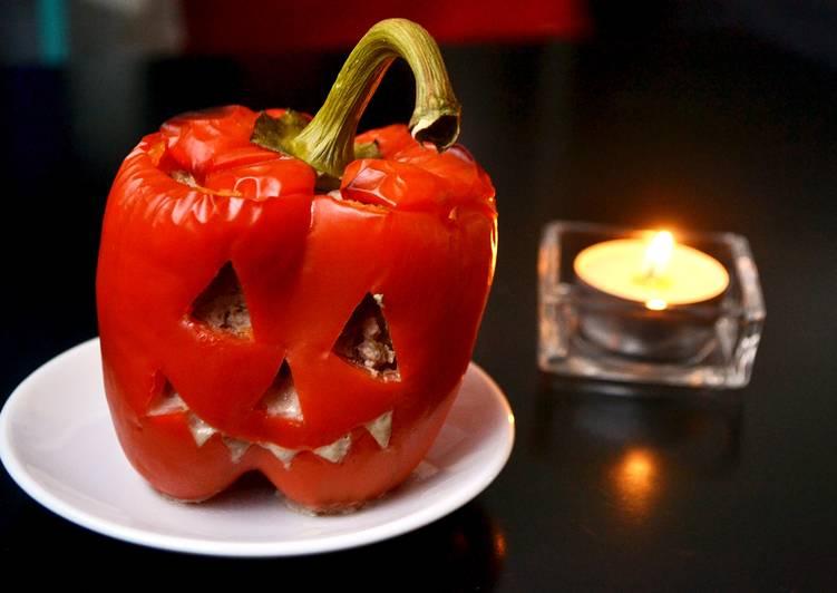 """Halloween töltött paprika """"lámpás"""""""