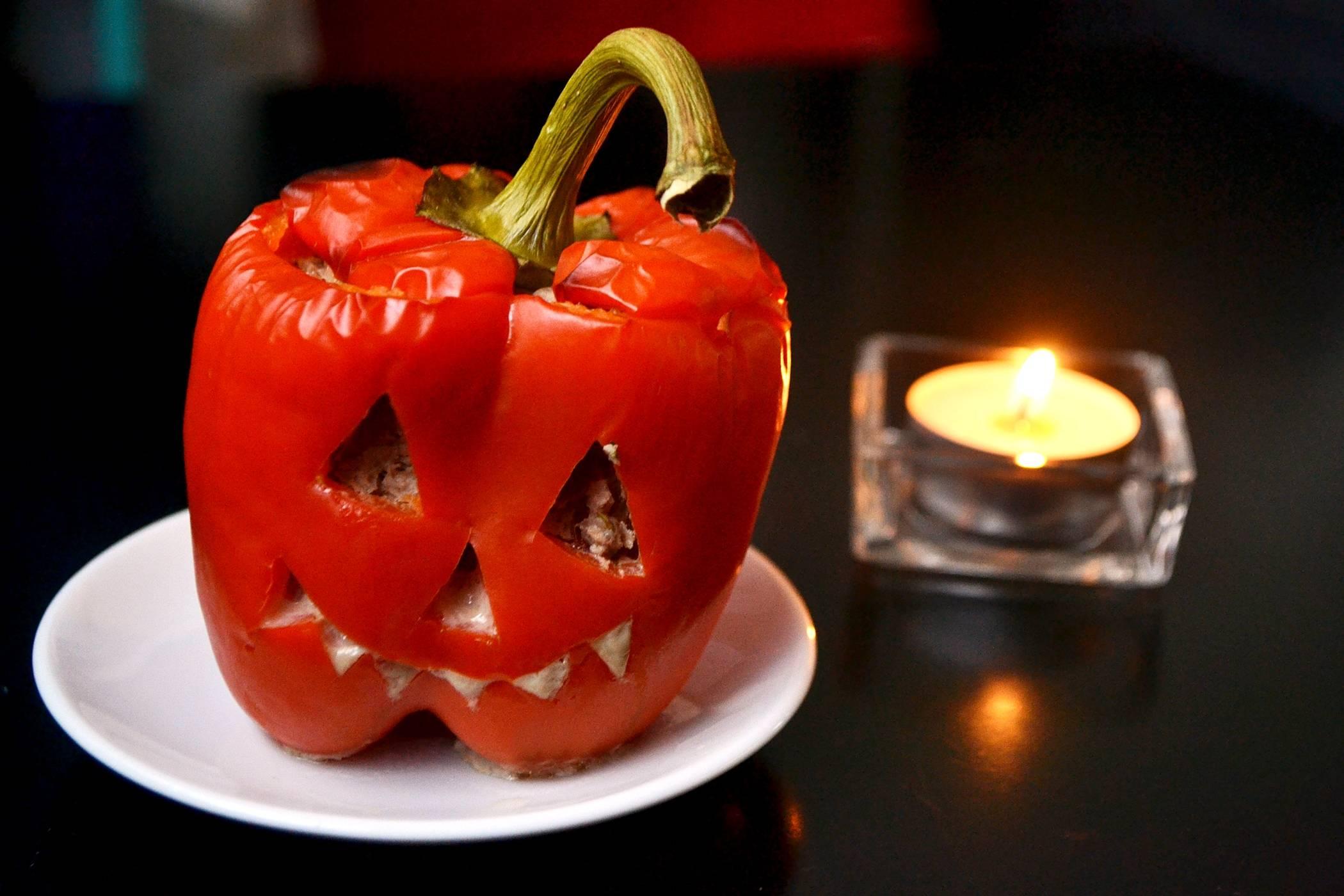 """Halloween töltött paprika """"lámpás"""" recept főfotó"""