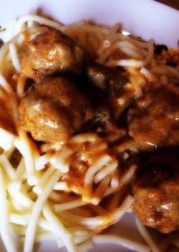 Bakonyi húsgombóc, spagettivel