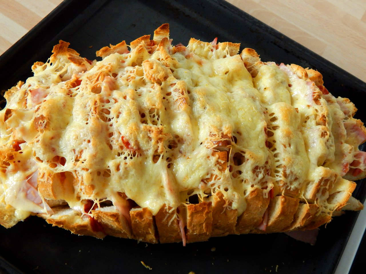 Töltött kenyér recept főfotó