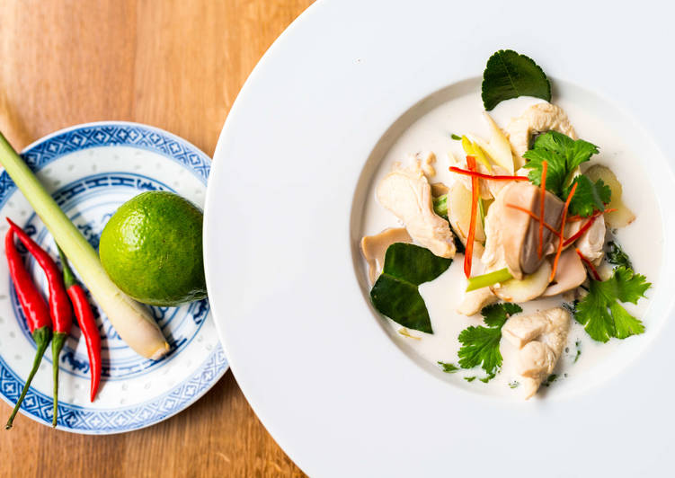 Tom Kha Gai (thai kókusztejes csirkeleves)