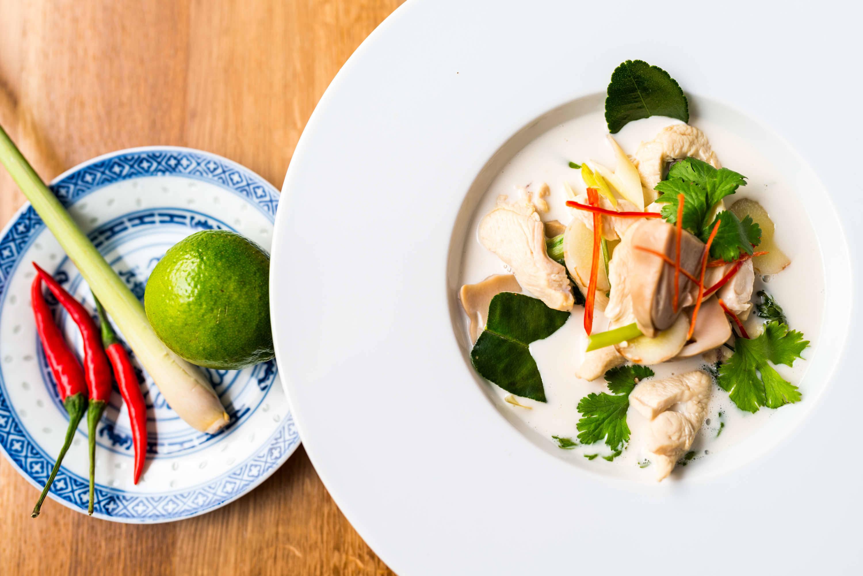 Tom Kha Gai (thai kókusztejes csirkeleves) recept főfotó