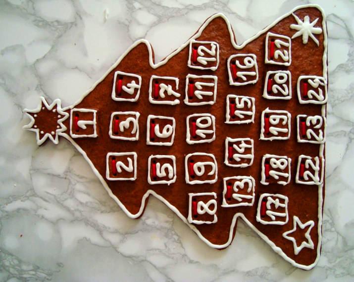 Mézeskalács adventi naptár (letölthető sablonnal) főfotó