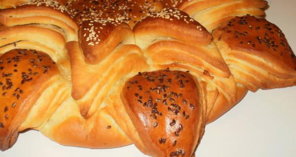 Ünnepi kenyér recept főfotó