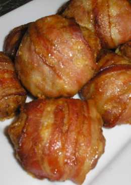 Baconba tekert fasírt