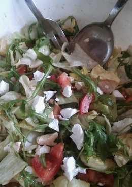 Saláta rukkolával