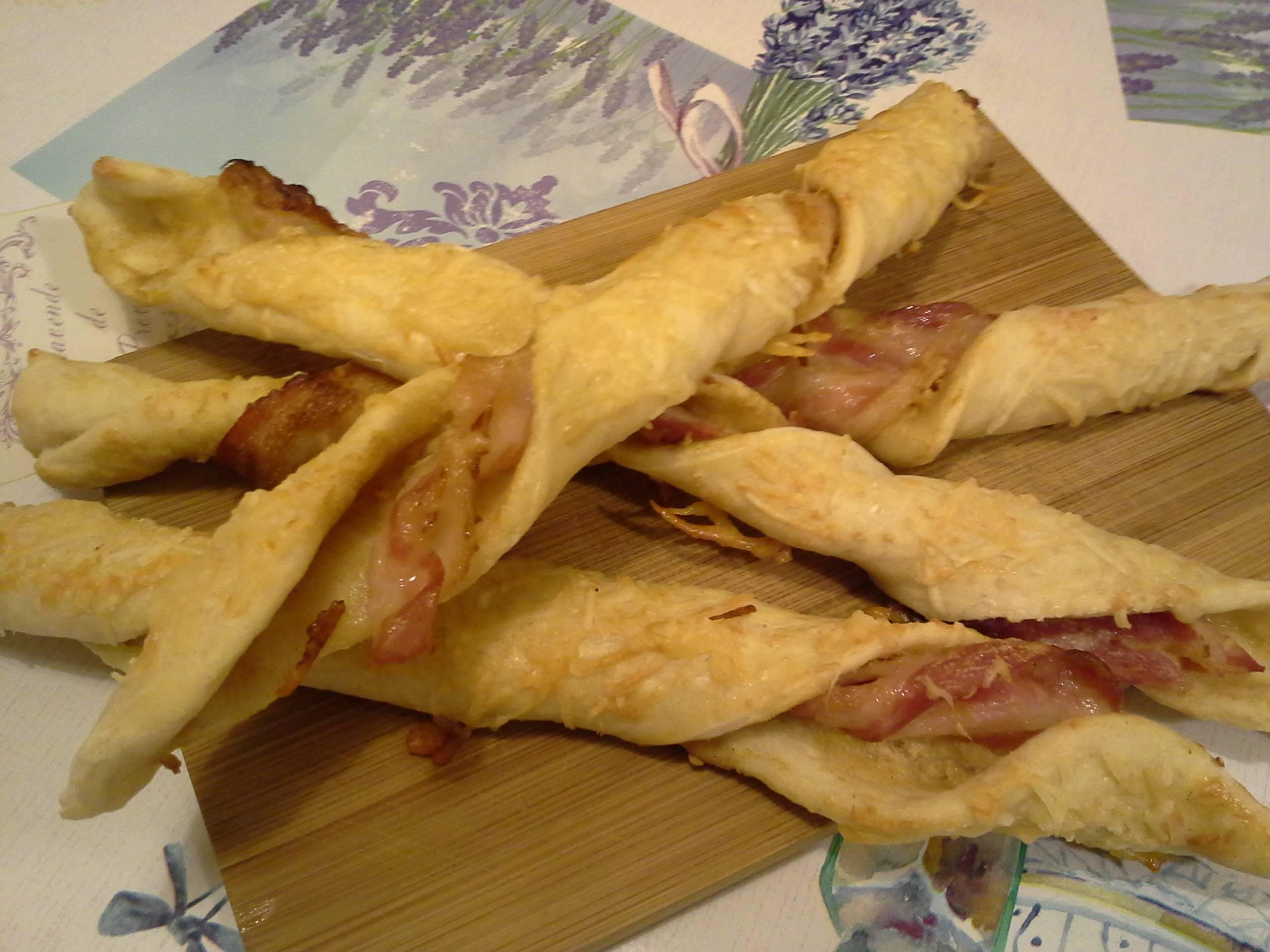 Mustáros-baconös csavart rudak főfotó