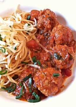 Olasz paradicsomos húsgombóc spagettivel
