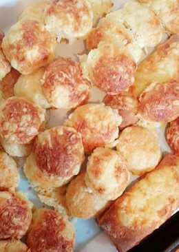 Tejfölös sajtos pogácsa