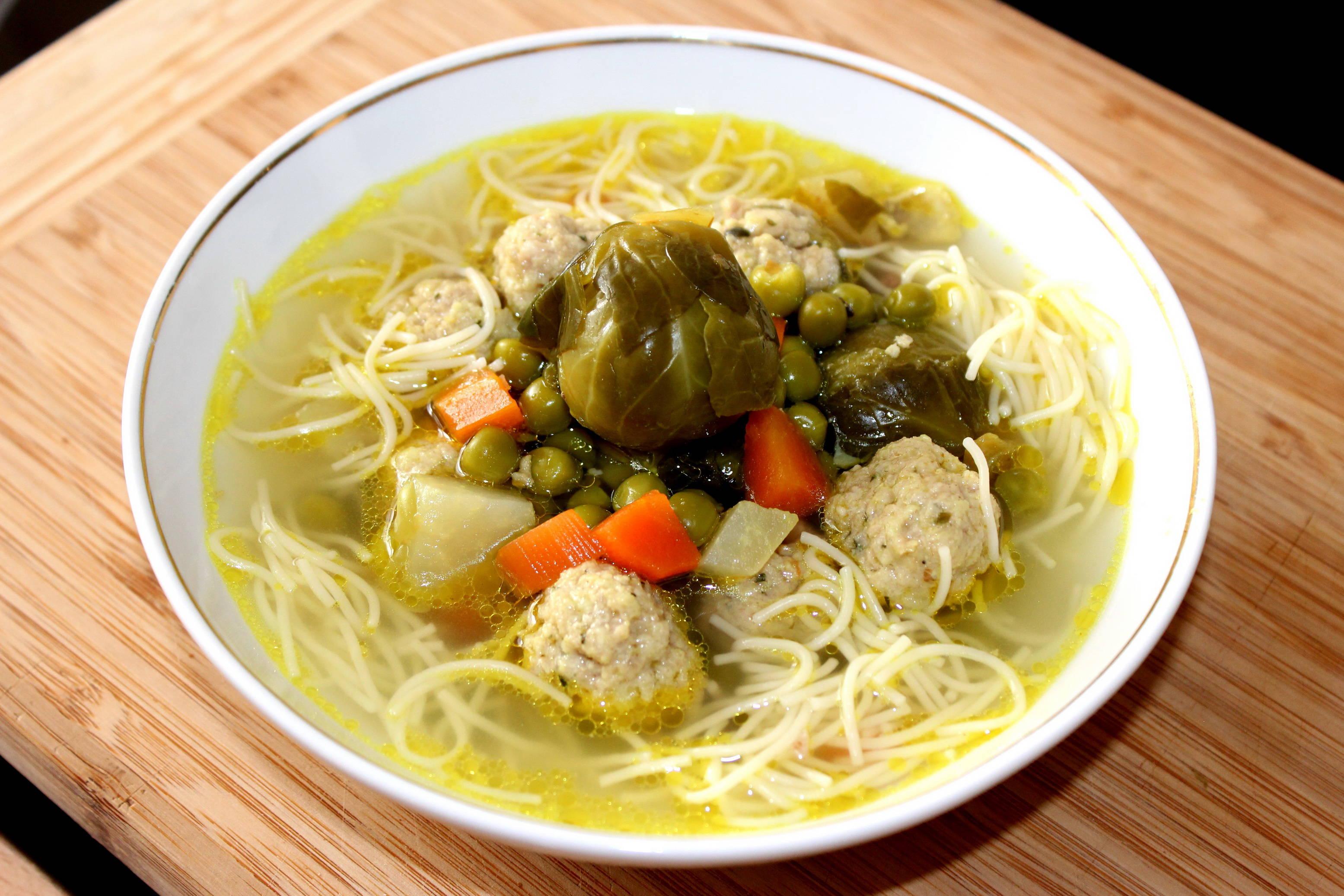 Húsgombócos zöldségleves recept főfotó