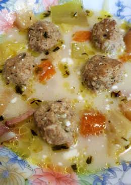 Ínyenc húsgombóc leves