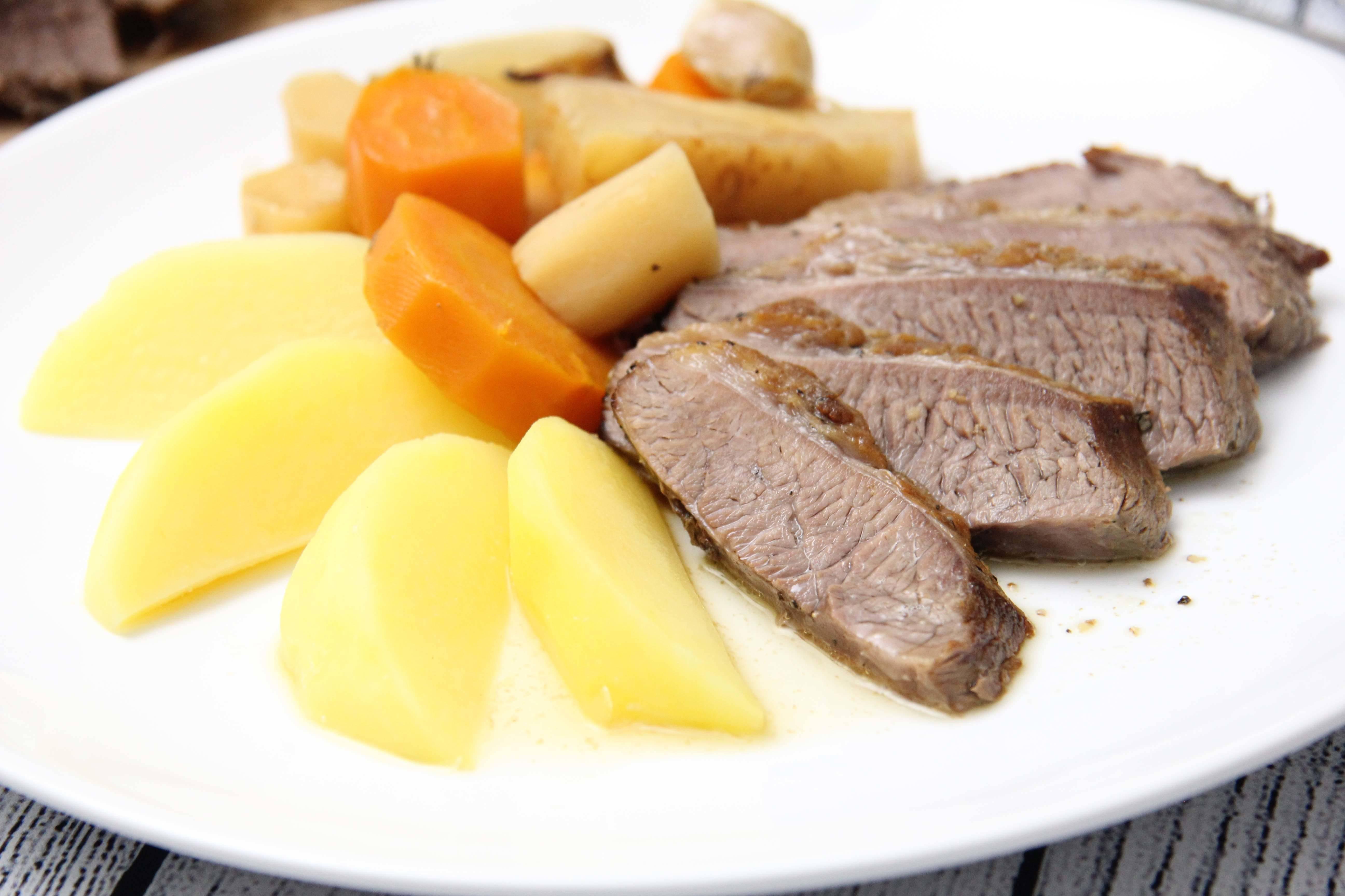 Zöldséges marhasült recept főfotó