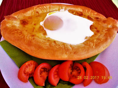 KHACHAPURI (grúz sajtos kenyér)