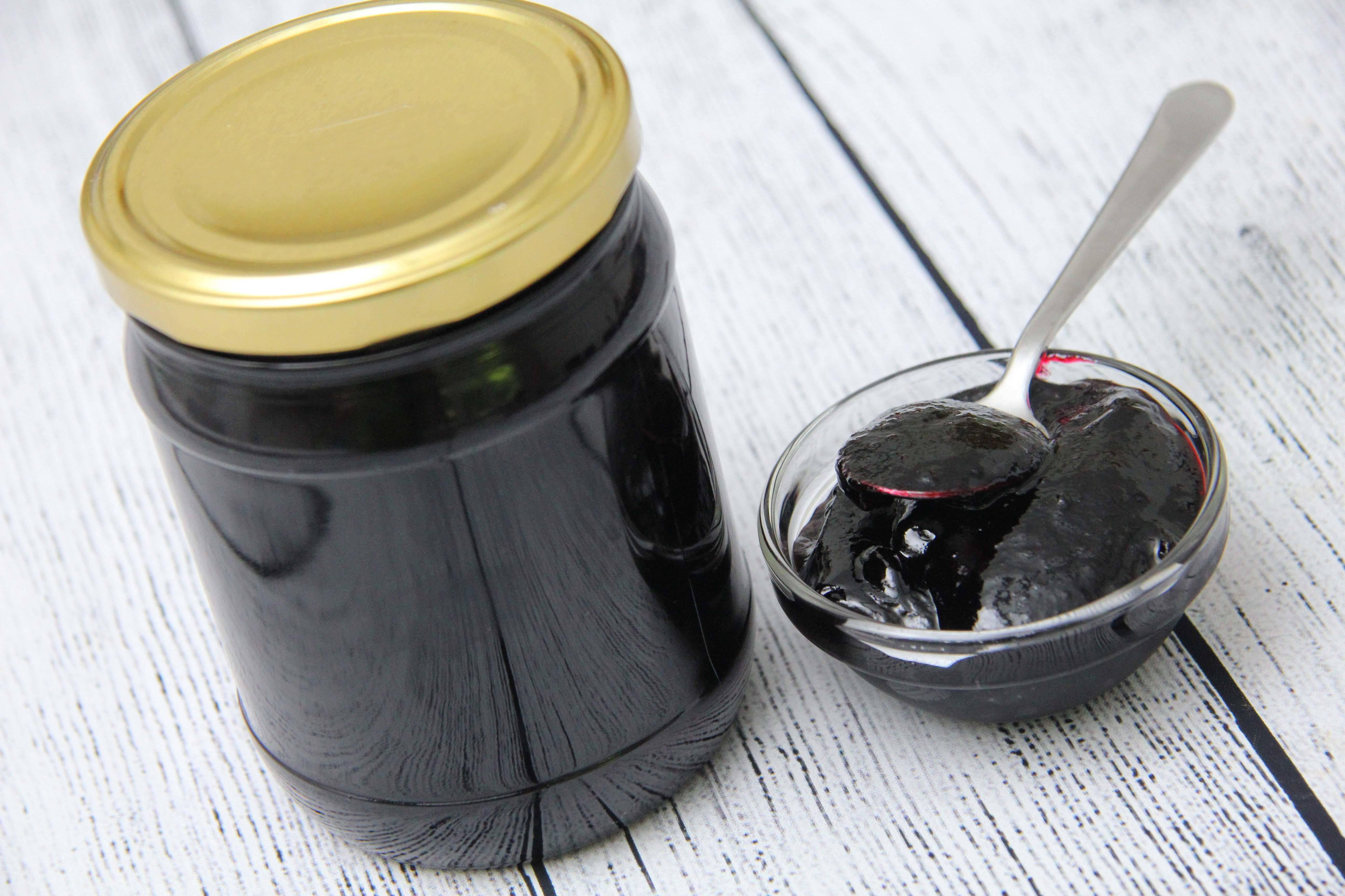 Feketeribizli lekvár recept főfotó