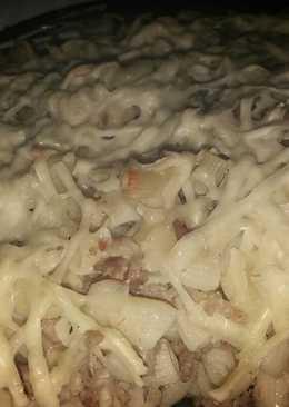 Tejfölös- húsos rakott tészta