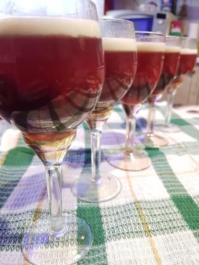 Bársonyos, réteges, szedres pohárdesszert, nem csupán Valentin napra