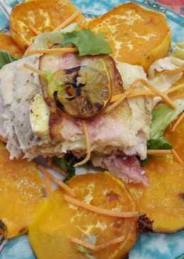Grillezett harcsafilé, édesburgonyával, saláta ágyon