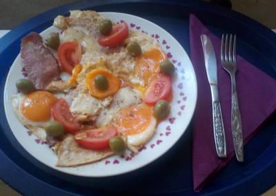 Ham and eggs Lacisan