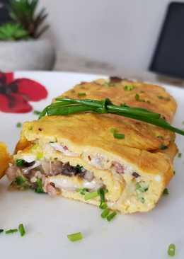 Sonkás-gombás-sajtos omlett tekercs