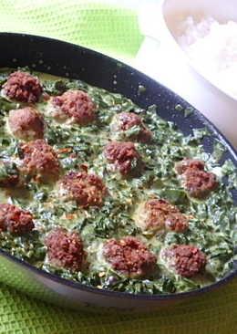 Római köményes húsgombócok, spenótos curryvel