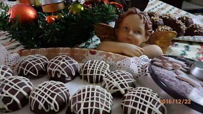 Csokival töltött csokis- mézes puszedli