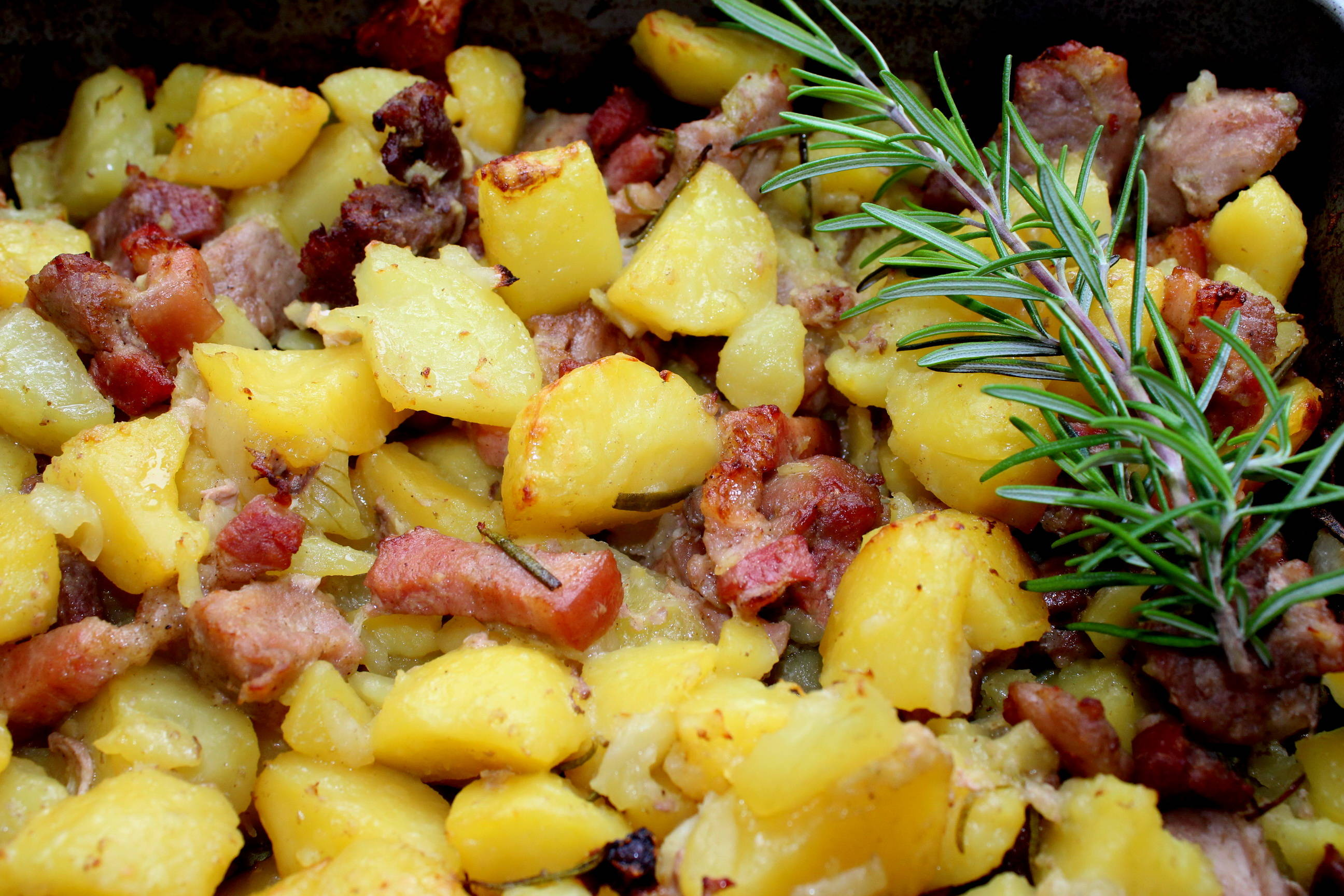 Tepsis hús recept főfotó