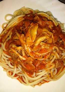 Paradicsomos-tejszínes csirkés spagetti