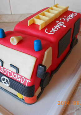 Tűzoltó autó torta recept + összeállítás