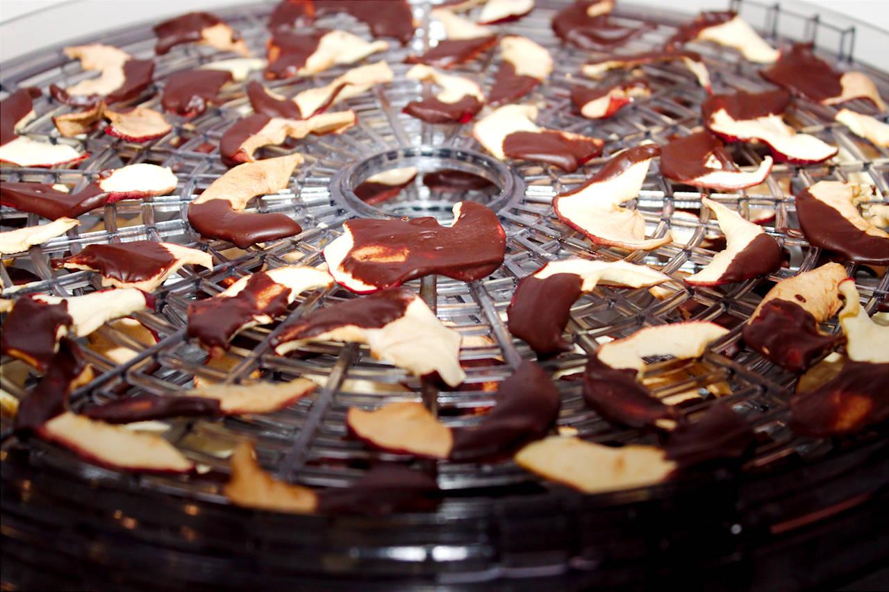 Csokis alma chips recept főfotó