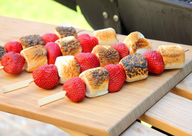 Grillezett eper-marshmallow nyárs