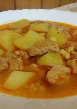 Sertéshúsból készült leves, csipetkével