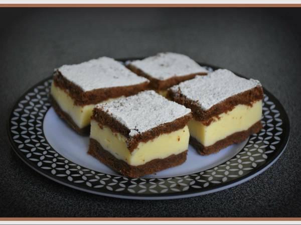 Pudingos tejfölös sütemény