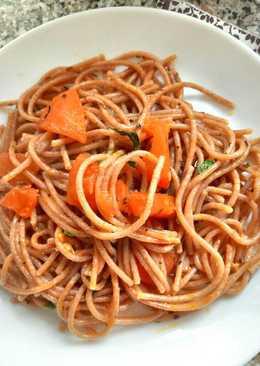 Chilis paradicsomos spagetti