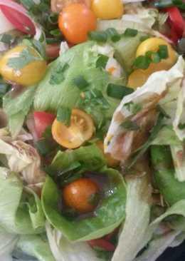 Kerti saláta mézes mustáros öntettel