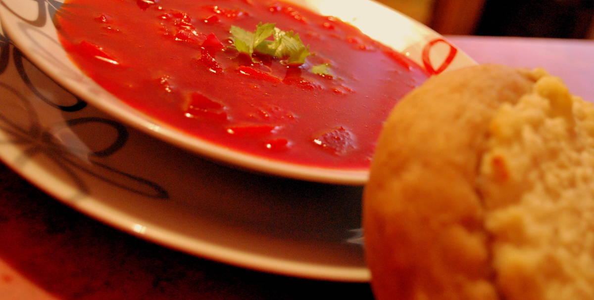 Orosz céklaleves túrós lepénnyel recept főfotó