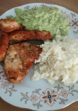 """Rozmaringos """"zöldmártás"""" ropogós csirkemellel rizskörettel"""