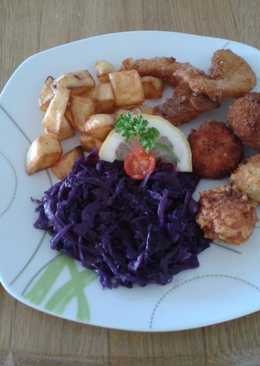 Húsmentes-, laktózmentes bőségtál, párolt lila káposztával