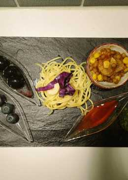 Chili-Pirospaprika Spagetti kukoricával, lencsével és articsókával