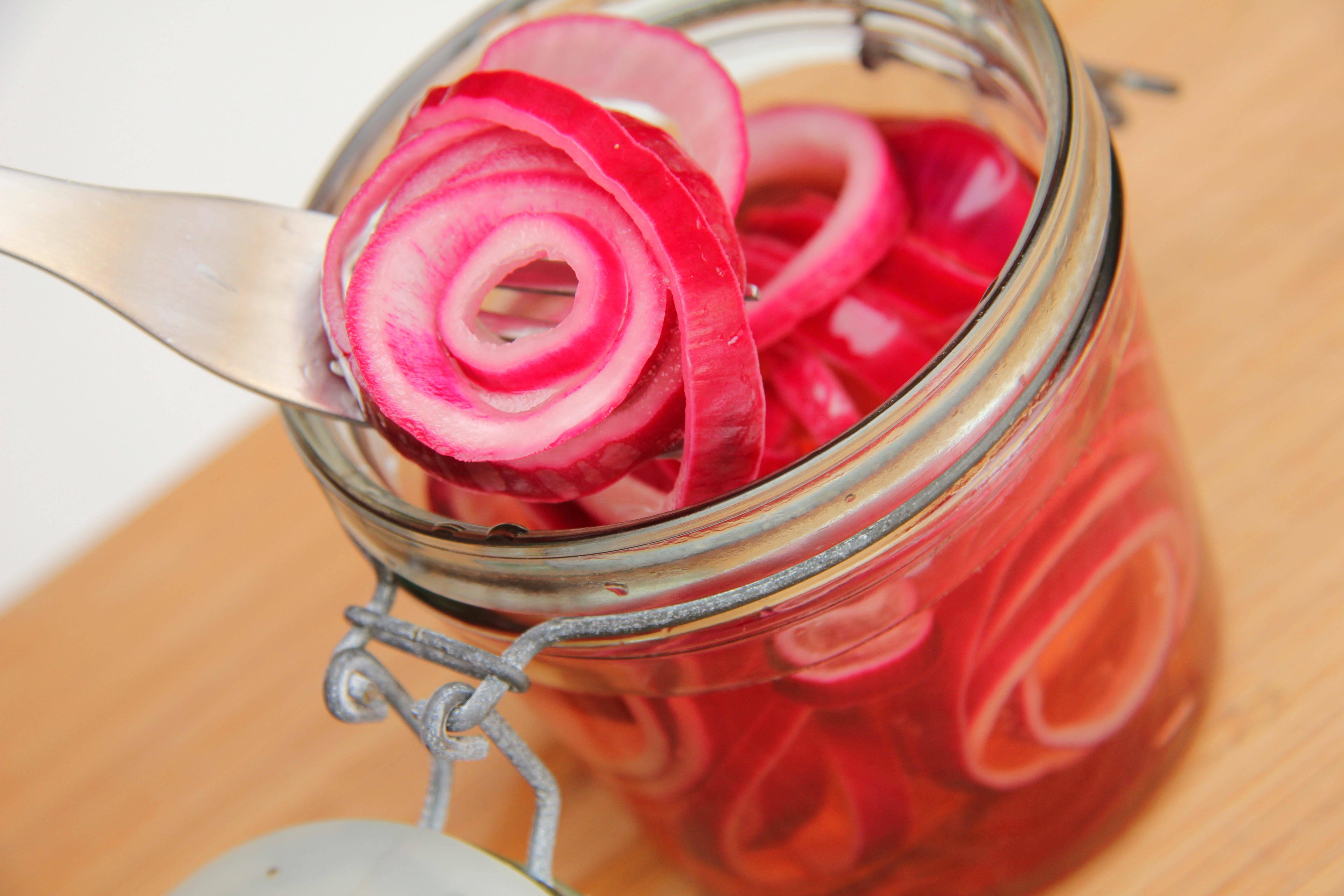 Savanyított lilahagyma recept főfotó