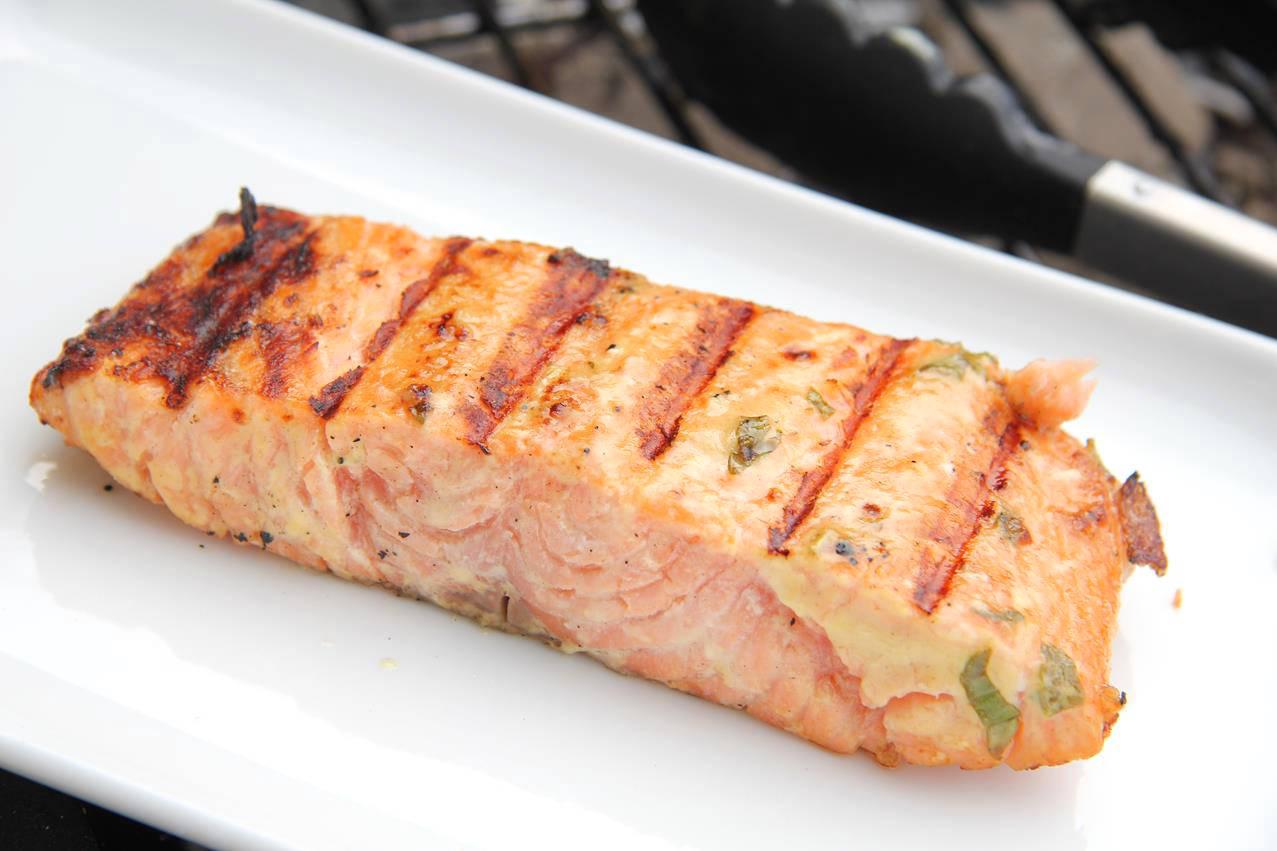 Majonézes-mustáros grillezett lazac recept főfotó