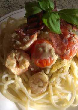 Tejszínes, garnéla spagetti, pestoval, koktél paradicsommal
