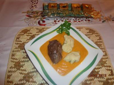 Vadas mártás őzhúsból, petrezselymes krumpli gombóccal
