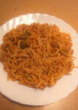 Tonhalas spagetti örömlány módra