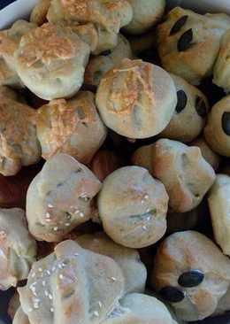Olcsó kenyérpogácsa, hidegen sajtolt tökmagolajjal ízesítve Katától