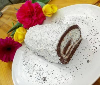 Diétás mákos-túrós-tejszínes keksztekercs