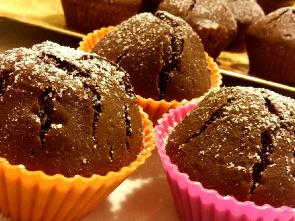 Joghurtos, kakaós muffin