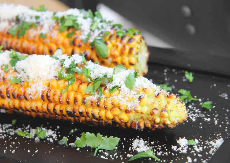 Grillezett parmezános kukorica