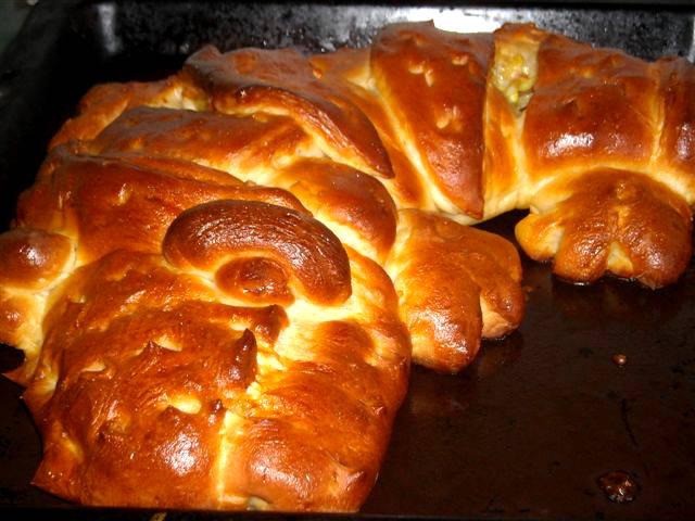 Töltött krokodil-kenyér recept főfotó