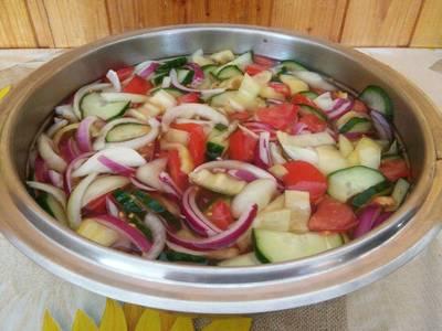 Ecetes nyári saláta