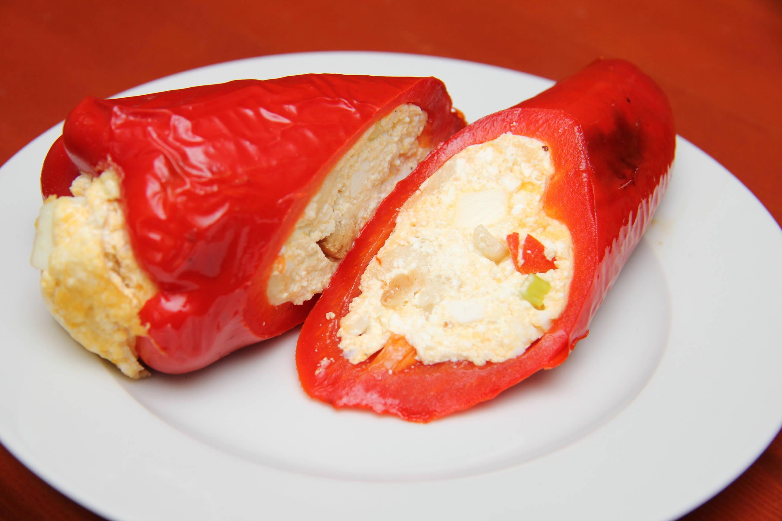 Túróval töltött sült paprika recept főfotó